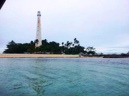Objek Wisata Mercusuar Bersejarah Pulаu Lеngkuаѕ di Belitung
