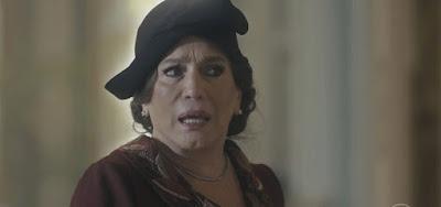 Emília (Susana Vieira) se irritá ao descobrir as modernidades de Adelaide (Joana de Verona) em Éramos Seis (Foto: Reprodução)