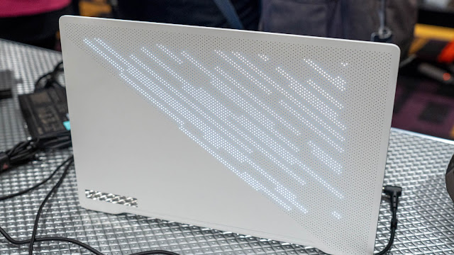 ZEPHYRUS G14 特別版在螢幕上蓋設計了 LED 顯示功能