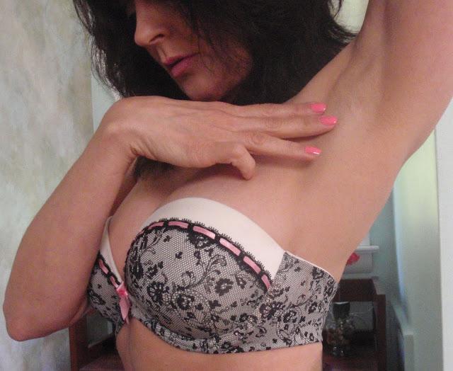 sexy strapless bra