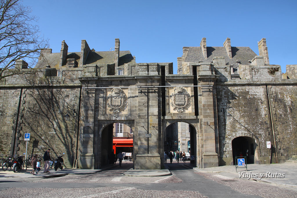 Puerta de saint Vincent, Saint Malo, Francia