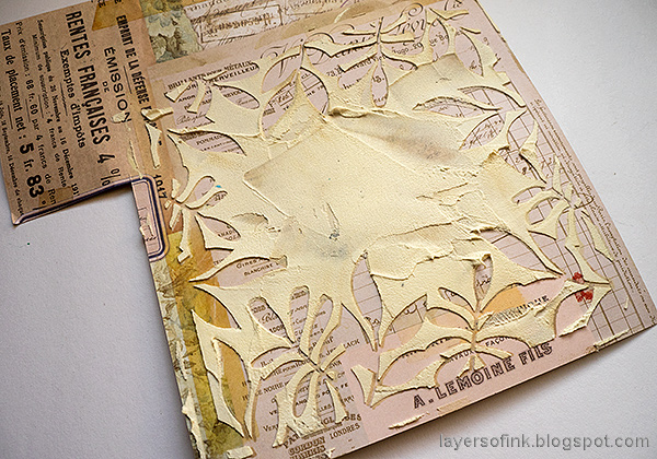 Layers of ink - Past Times Wall-Hanger Tutorial by Anna-Karin Evaldsson. Applying texture paste