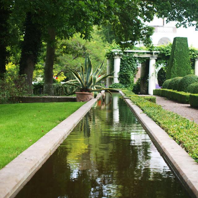 Sollindens Slot med smukke haveoplevelser