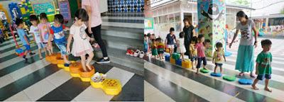 彩虹河石:赤腳感受水和其他物品的觸感,刺激孩子們的末梢神經!