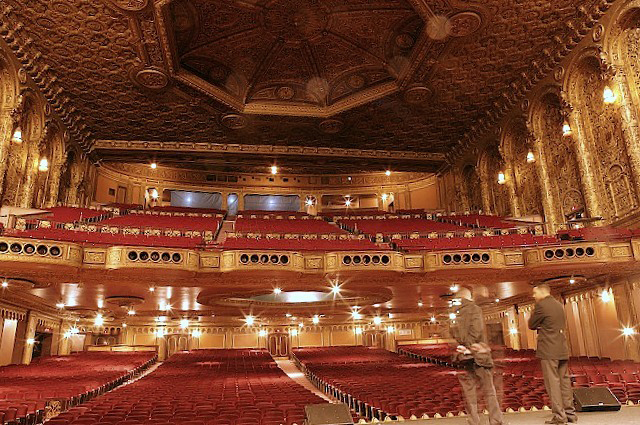 tomorrow evening movies return to washington heights gorgeous nearly 3400 seat united palace theater click to enlarge built in 1930 as loews 175th art deco box office loew