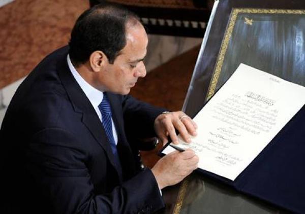 الرئيس عبد الفتاح السيسي يعلن عن إصدار قانون زيادة معاشات القوات المسلحة بعد موافقة مجلس الشعب