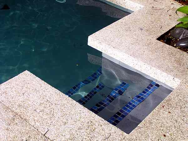 Colors of paint for swimming pools 6