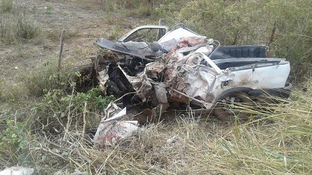 Uma pessoa morre durante colisão entre caminhão e veículo de passeio na BR-135 em Itapecuru-Mirim