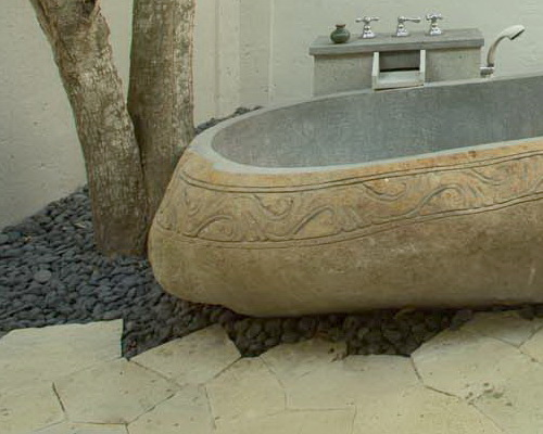 www.Tinuku.com Plataran Komodo Beach Resort & Spa luxury bathroom design closer to nature for relaxation and freshness