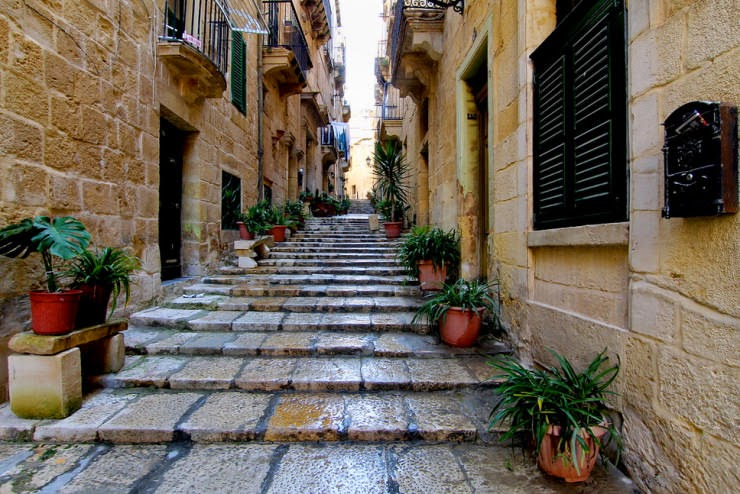 10. Birgu, Malta - 29 Most Romantic Alleys to Hike
