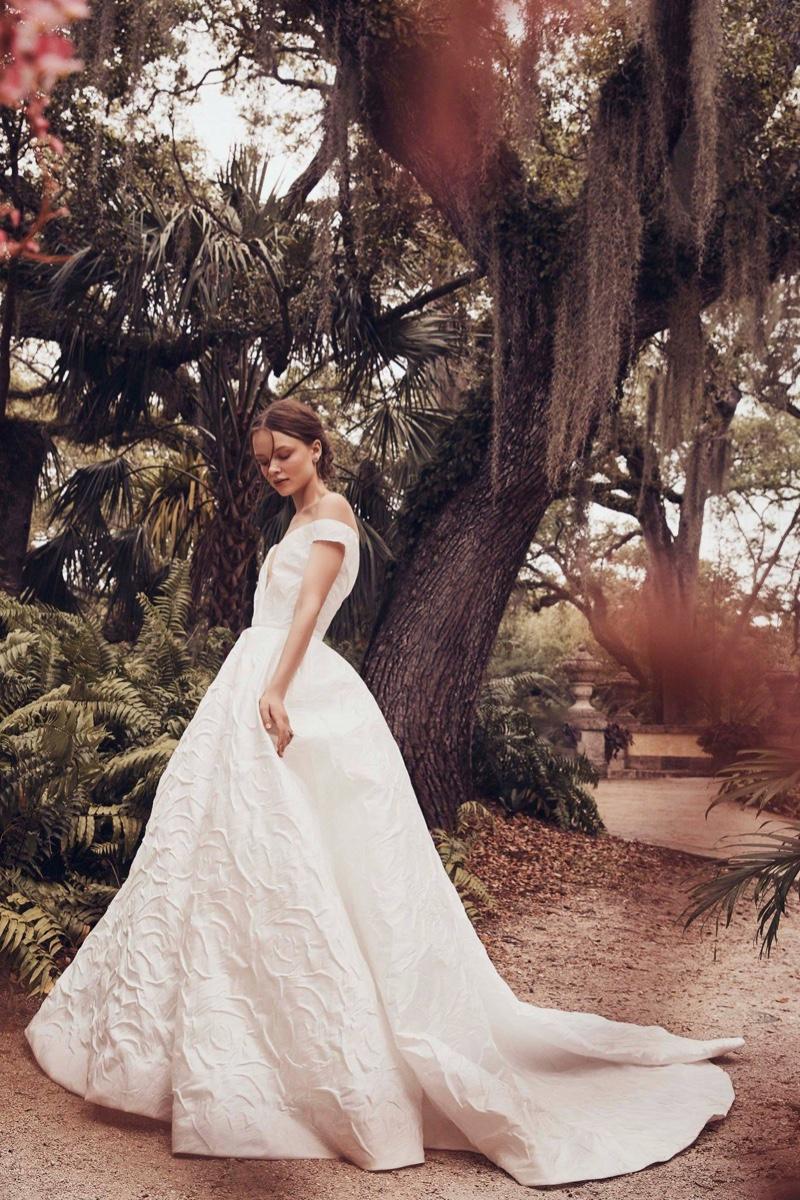 Monique Lhuillier Bridal Spring/Summer 2019 Collection