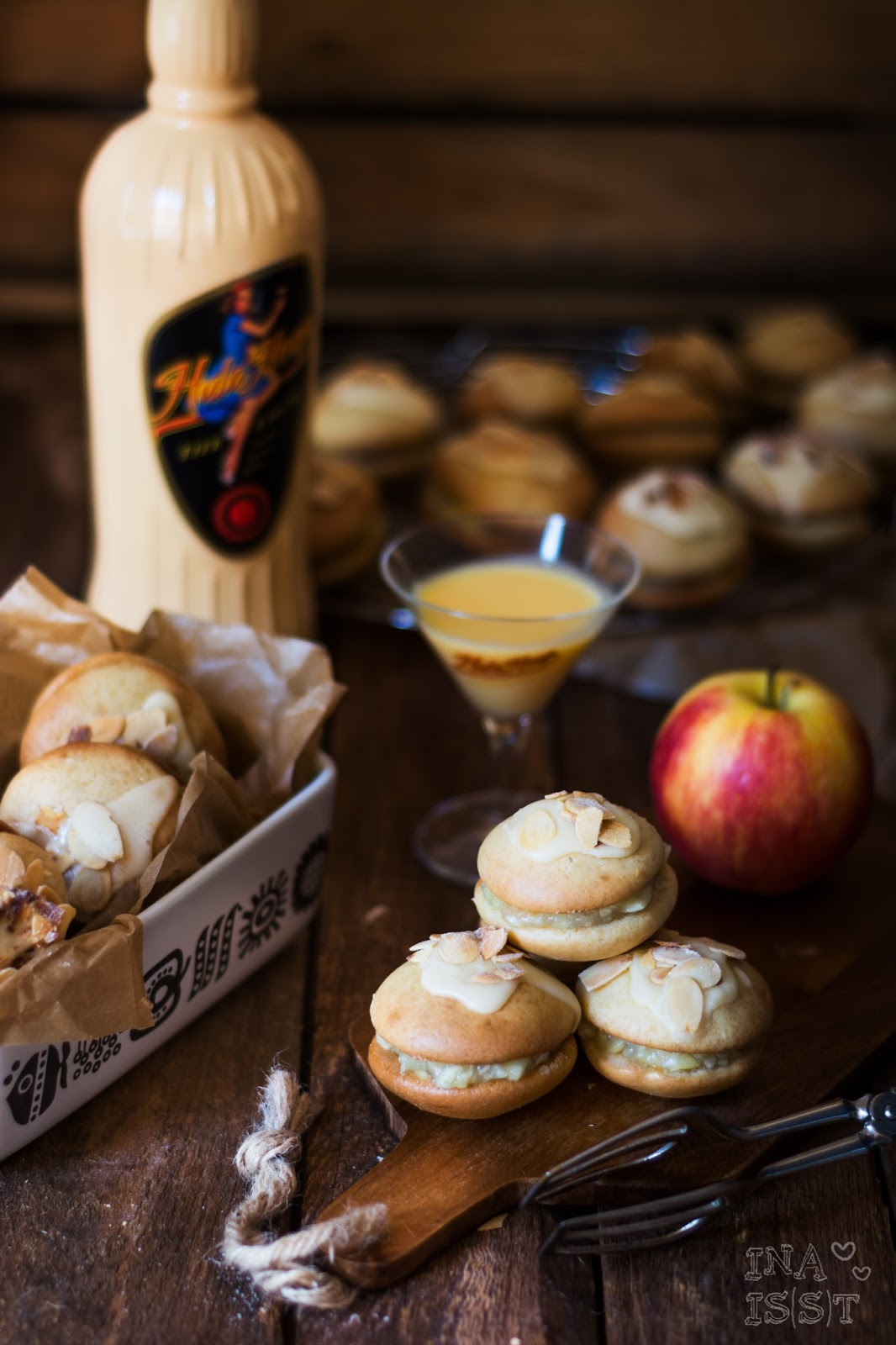 Hula Hoop Blogparade: Eierlikör-Whoopies mit herbstlicher Apfelfüllung