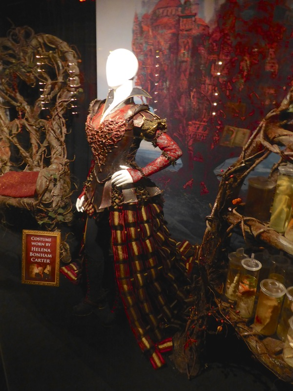 Hollywood Movie Costumes And Props Red Queen Organic -2916