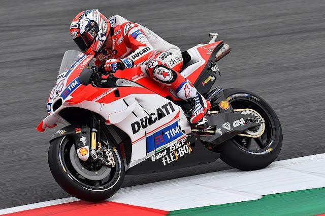 berita motogp Hasil Kualifikasi MotoGP Red Bull Ring, Austria : Iannone Pole, Rossi Kedua
