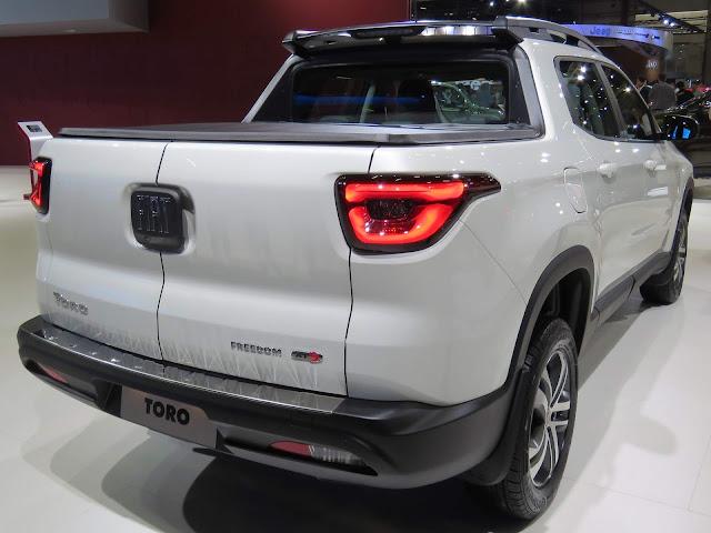 Fiat Toro 2017 2.4 Flex Automática  - Branco Pérola