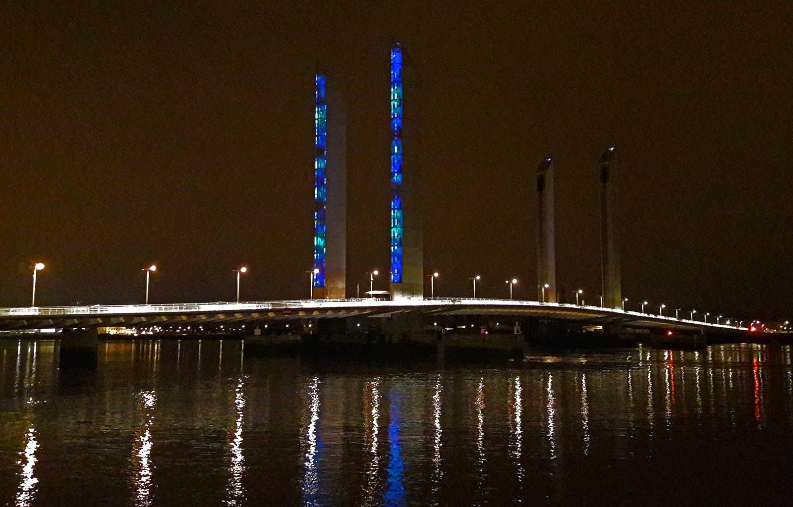 Bordeaux Pont Chaban-Delmas de nuit
