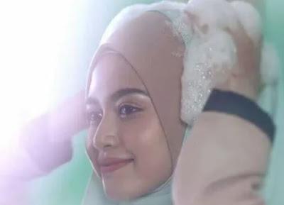 Malezya'dan Türbanlı Şampuan Reklamı!