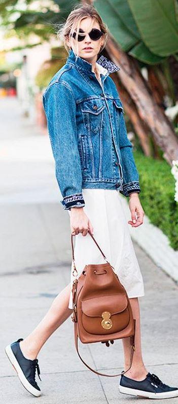 street style addict / denim jacket + bag + sneakers + white dress