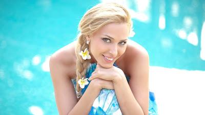 रोमानियाई मॉडल और अभिनेत्री लूलिया वेंतूर