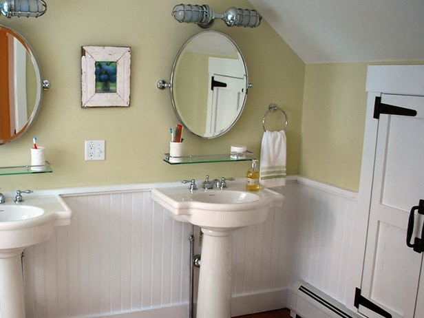 photos of sinks for small bathroom | Beautiful Abodes: Small Bathrooms Can Have Double Sinks?!
