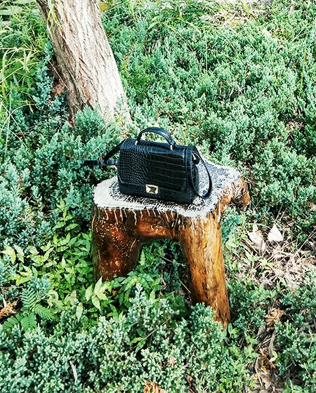 zara black mini bag,fashion blogger