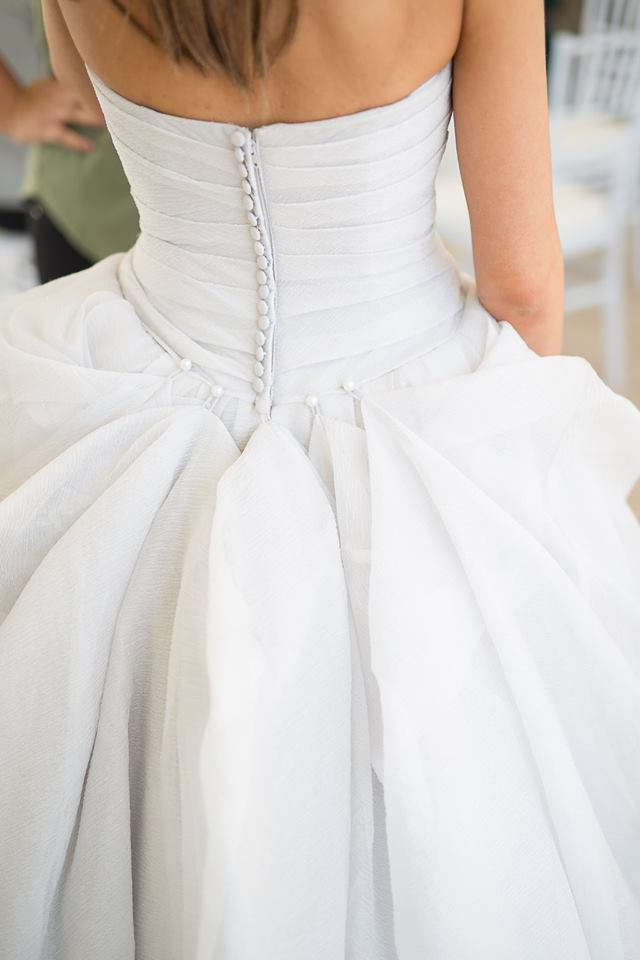 This Photo Shows A Five Points Over Bustle Hooked On The Dress Waistline Which Created Nice Uncluttered Flowing Effect Jutting Corner