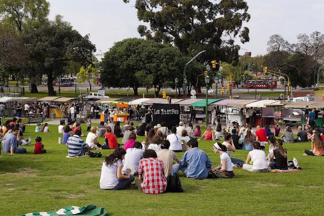 Junción de títeres en la plaza