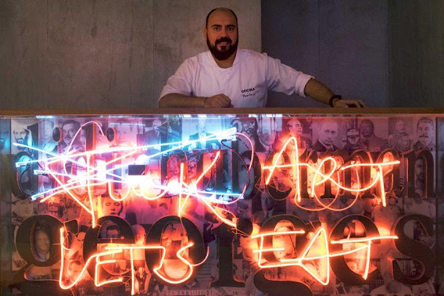 Chef Marco Gomés renews the menu of his peculiar restaurant
