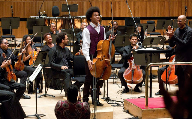 Sheku Kanneh-Mason (cello), Kevin John Edusei (conductor) and the Chineke! Orchestra.