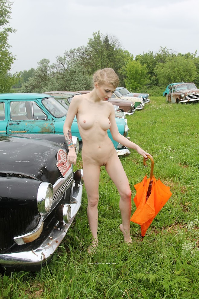 [Nude-in-Russia] Eva - Gorky Plant Cars