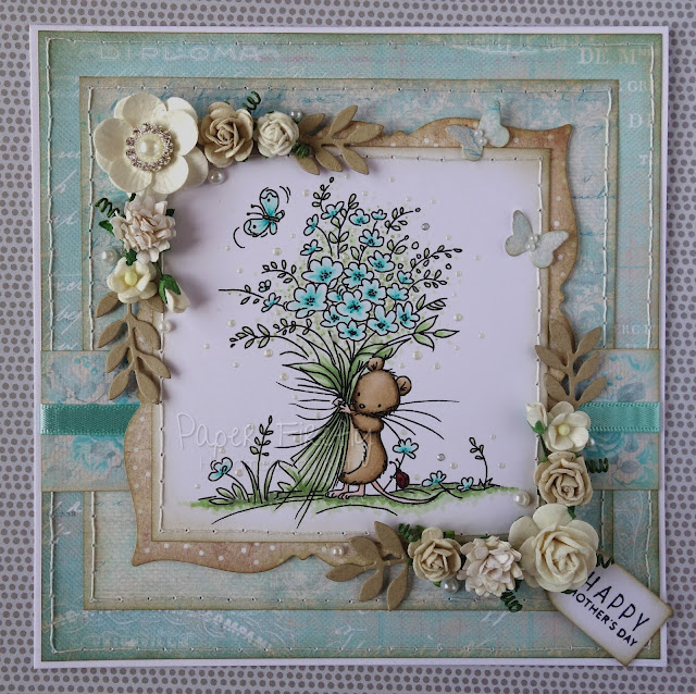 Floral aqua Mothers Day card featuring mouse with flower bouquet (image by LOTV)