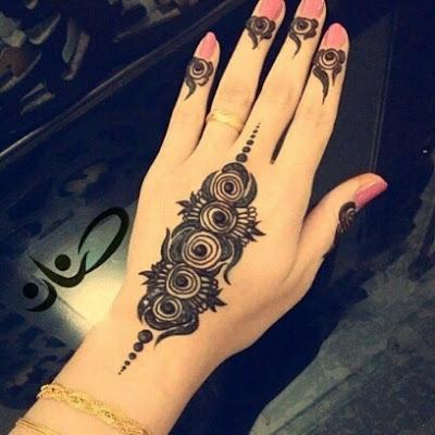 Henna Tangan Sederhana Untuk Acara