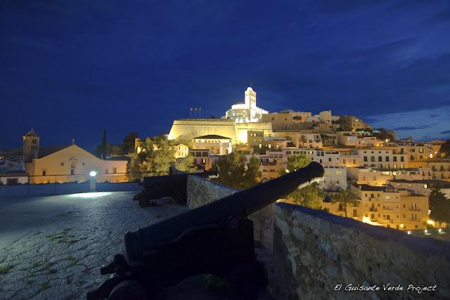 Dalt Vila - Ibiza, por El Guisante Verde Project