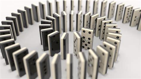 Melatih Ketelitian Melalui Permainan Domino