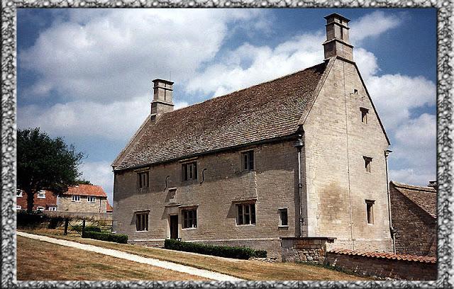 Foto Rumah Keluarga Newton