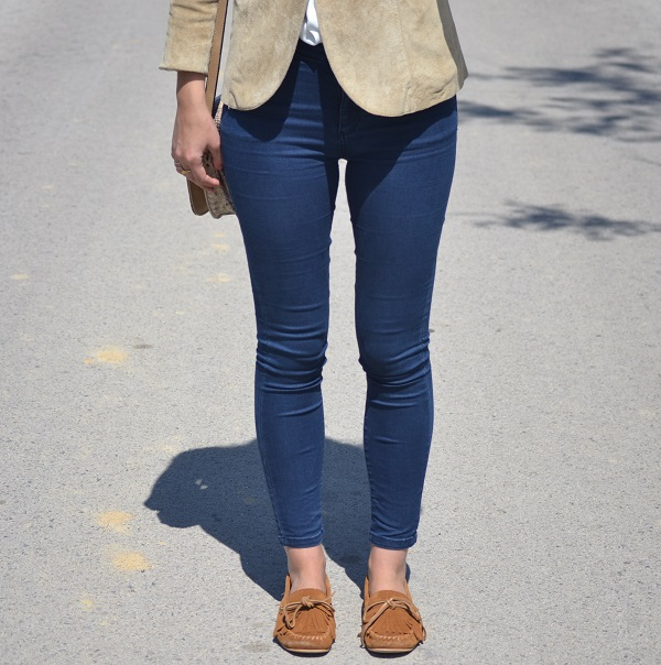 camel blazer, jacket, vintage bag, vintage purse, Lara Pasarin, Zara leather shoes, skinny jeans