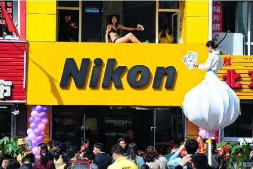 Cleaning Bikini Seksi Gadis Cleaning Service Seksi Bikin Macet Jalan Raya Cina