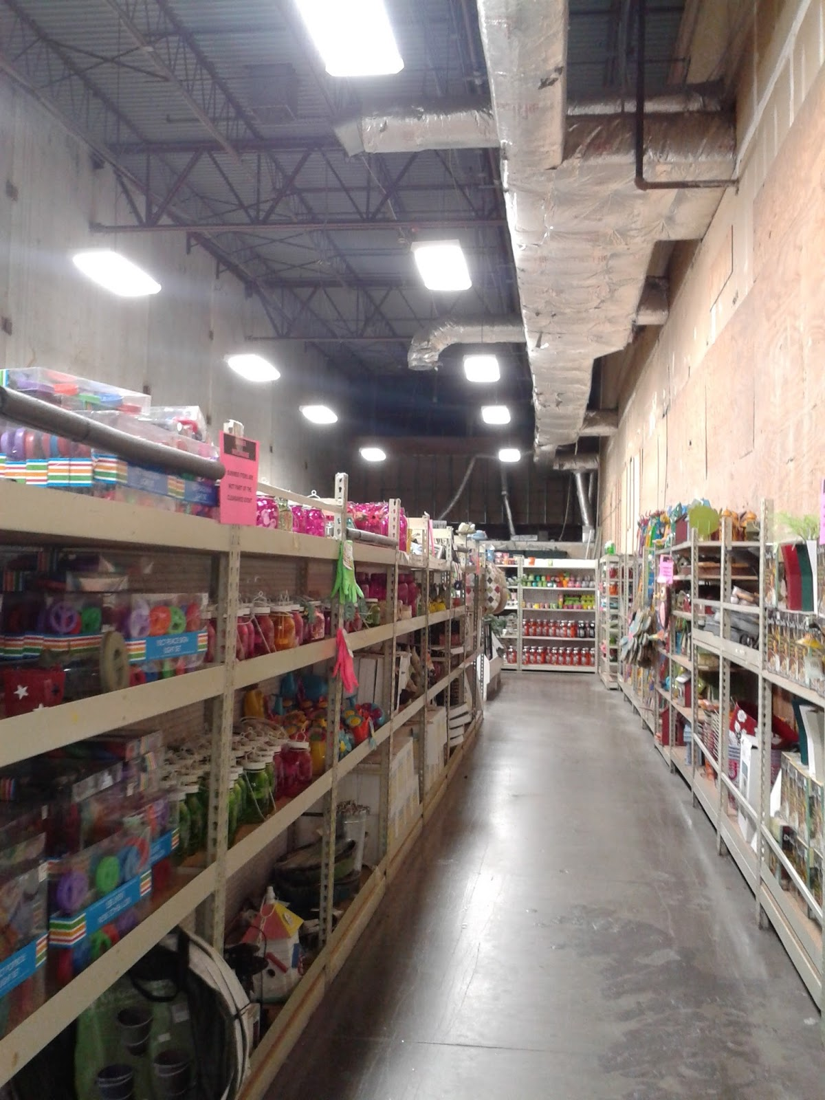 albertsons florida blog a look at the original safeway florida inside the clearance department looking toward the back i think this area was originally backroom space of some kind when save and pack was here