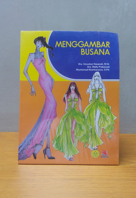 MENGGAMBAR BUSANA, Uswatun Hasanah