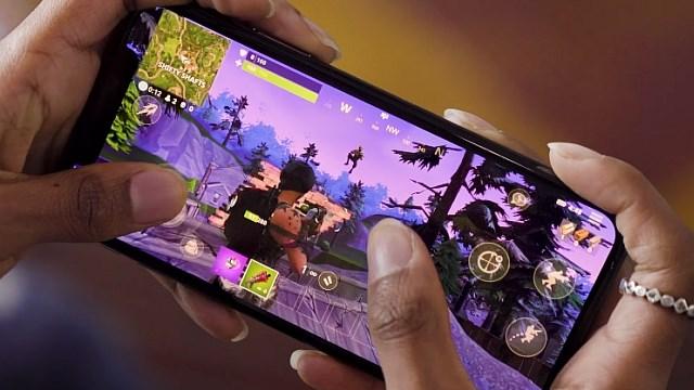 لعبة Fortnite متاحة حالياً على بعض هواتف أندرويد المتوسطة