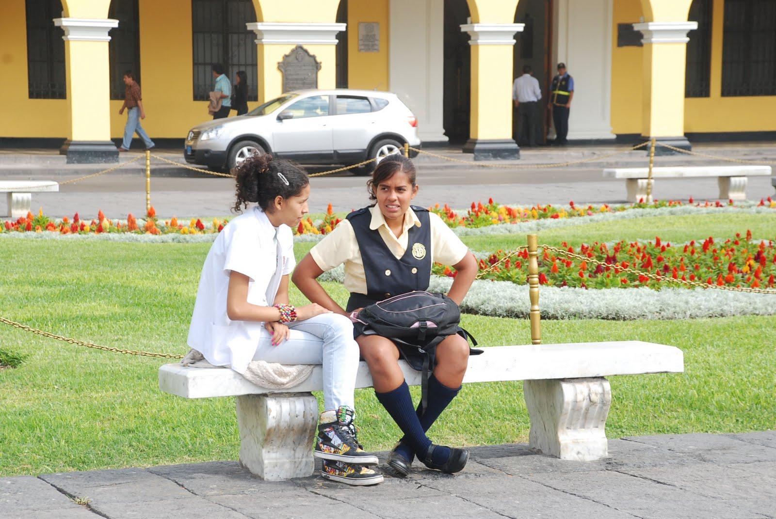 El Comportamiento De Las Personas En La Plaza Mayor De Lima