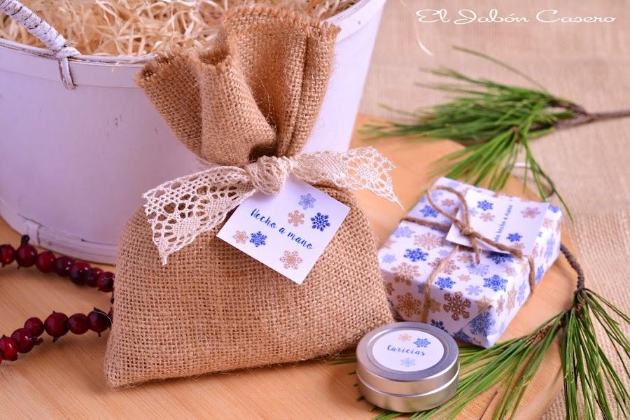 Regalos naturales para la navidad saquitos con jabones y balsamos