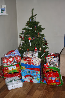 Christmas-Eve-Presents-Tree
