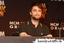 Updated(4): Daniel Radcliffe attends MCM London Comic Con: Horns panel and signing