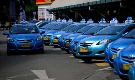 Demonstrasi Taksi Blue Bird