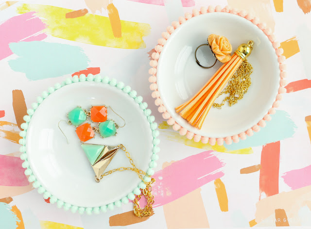 Easy DIY Pom Pom Ring and Jewelry Dishes - Simple Craft - DIY Gift Ideas