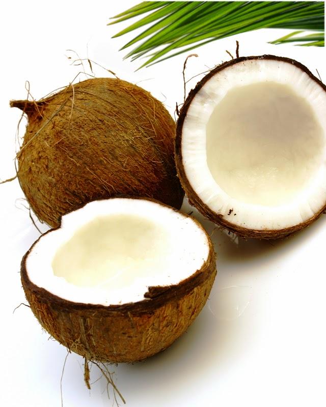kelapa untuk meluruskan rambut