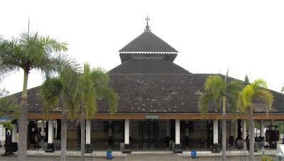 Wisata Religi Walisongo Di Tanah Jawa Nama Asli Dan Asal Daerahnya
