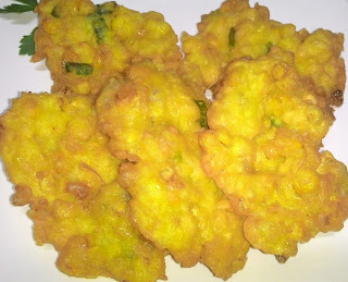 Resep cara bikin bakwan jagung sederhana yang enak dan renyah