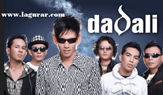 http://www.lagurar.com/2017/10/download-lagu-dadali-full-album-mp3-terbaik-terlengkap.html